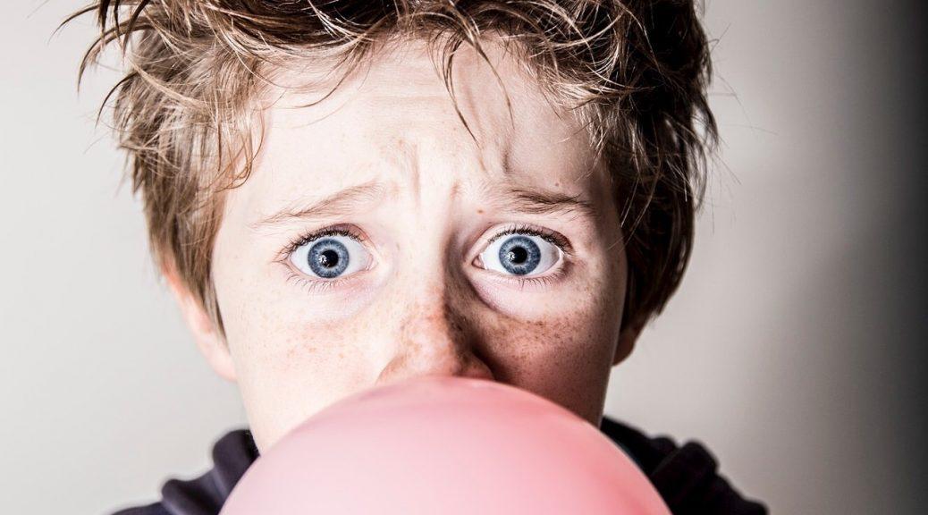 comment enlever du chewing gum sur un canapé en tissu